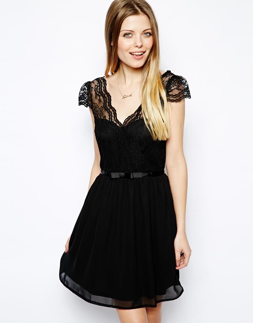 asos robe noire patineuse appelez moi c lestine