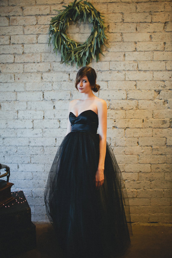 robe de mariee noire appelez moi c lestine. Black Bedroom Furniture Sets. Home Design Ideas